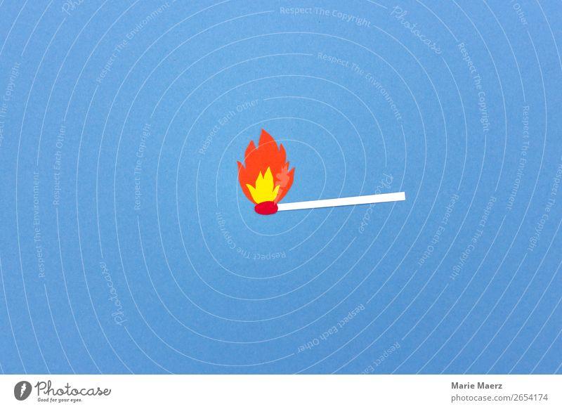 Brennendes Streichholz Weihnachten & Advent Feuer leuchten machen heiß rebellisch blau rot Stimmung Leidenschaft Warmherzigkeit gefährlich Aggression Energie