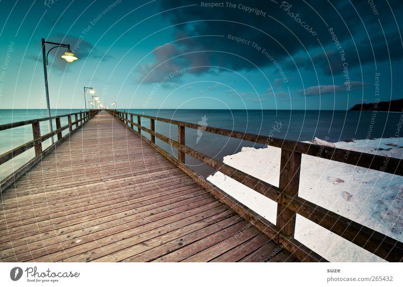 Seebrücke am Abend Meer Schnee Umwelt Natur Landschaft Urelemente Wasser Himmel Wolken Horizont Klima Küste Ostsee Brücke Wege & Pfade Holz Linie dunkel kalt