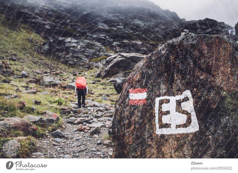 Aufstieg zur Braunschweiger Hütte | E5 Fernwanderweg Ferien & Urlaub & Reisen Abenteuer wandern Mensch Natur Landschaft Herbst schlechtes Wetter Nebel Felsen
