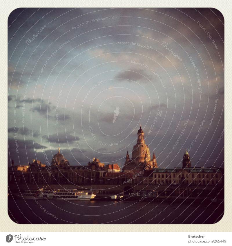 Die schönste Stadt der Welt Tourismus Himmel Wolken Fluss Hauptstadt Stadtzentrum Dampfschiff Traurigkeit Romantik Dresden Frauenkirche Canaletto