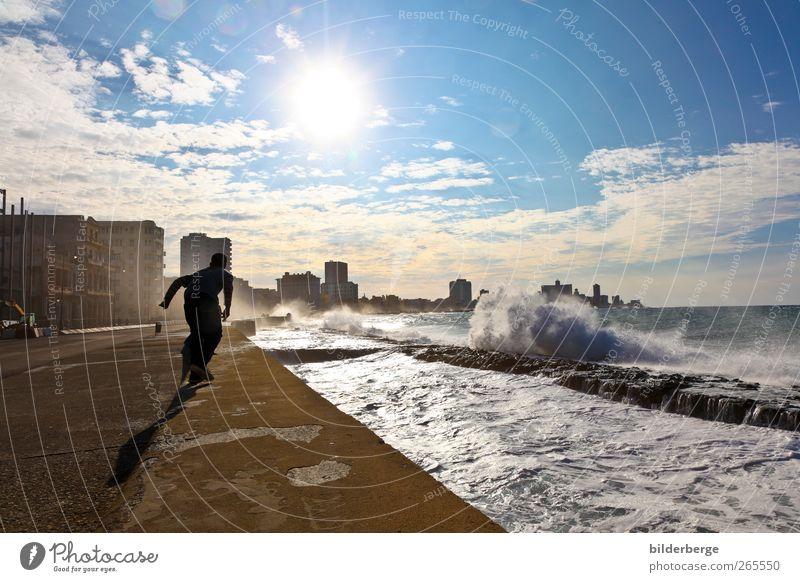 Malecon Havanna Mensch Wasser Ferien & Urlaub & Reisen Sonne Sommer Ferne Freiheit Mode Horizont Ausflug Insel Abenteuer Tourismus Hochhaus Lifestyle Hafen