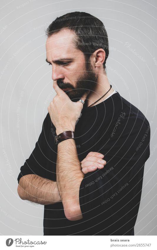 Besorgter Mann Lifestyle Gesicht Gesundheitswesen Meditation Mensch maskulin Erwachsene Kopf Hand 1 30-45 Jahre Hemd Leder Accessoire Ring schwarzhaarig