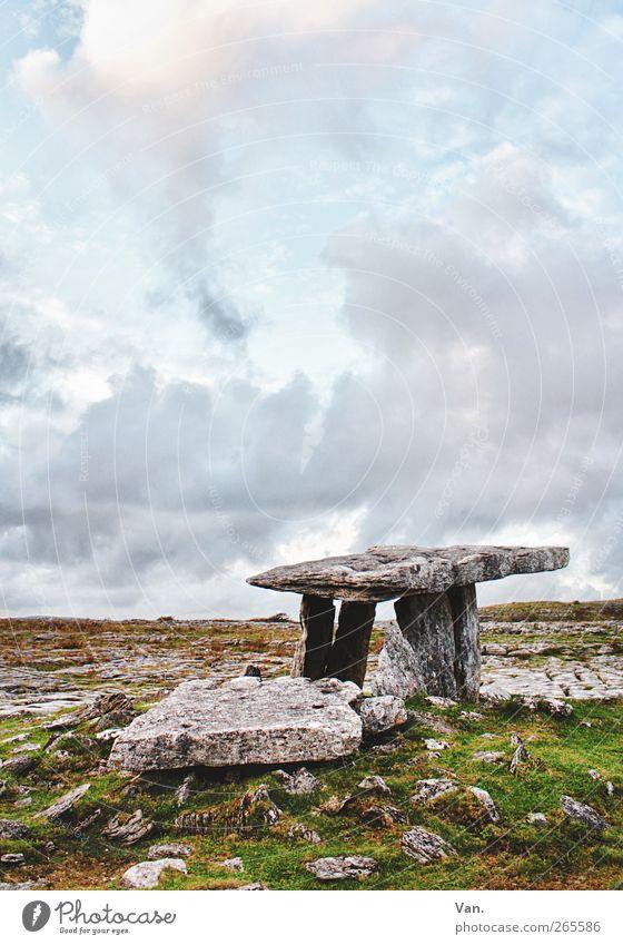 Poulnabrone Dolmen III Himmel blau grün Wolken ruhig Landschaft Gras Stein Felsen Schönes Wetter Denkmal Sehenswürdigkeit Republik Irland HDR Grabmal