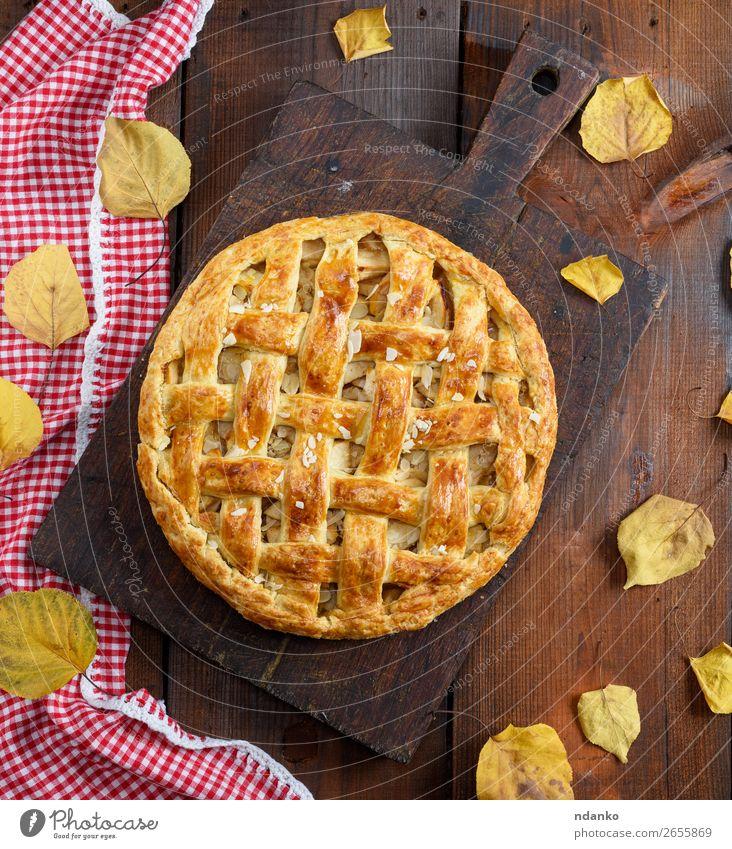 gebackene ganze runde Apfelkuchen Frucht Kuchen Dessert Tisch Küche Herbst Holz Essen frisch lecker oben braun Tradition Amerikaner Bäckerei Weihnachten