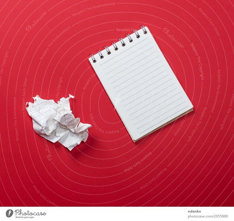 Farbe weiß rot Business Textfreiraum Schule Büro Buch Papier Information schreiben Schriftstück Entwurf Mitteilung Konsistenz Single
