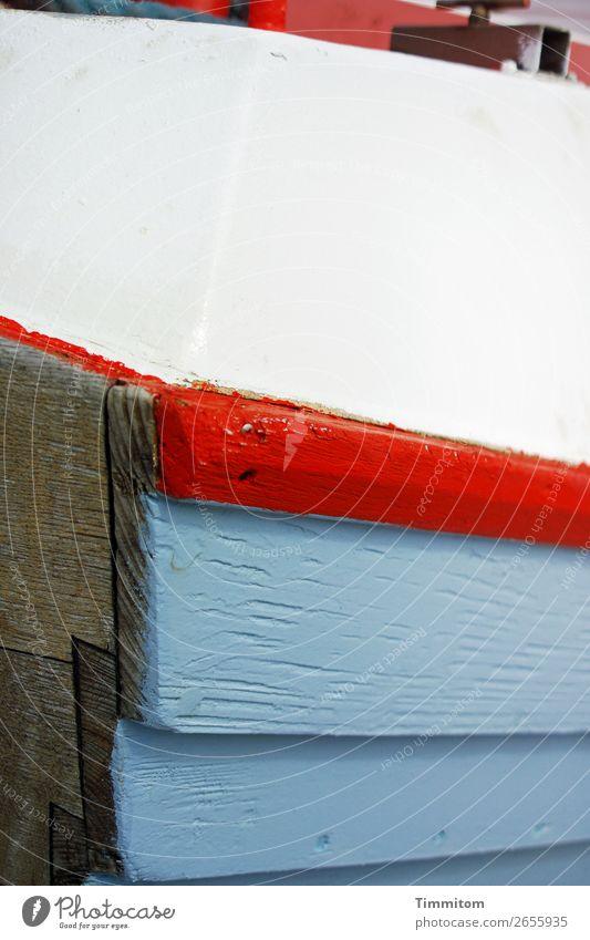 Blick über den Bootsrand hinaus Ferien & Urlaub & Reisen blau weiß rot Holz Stimmung Schifffahrt Dänemark Fischerboot Schiffsrumpf
