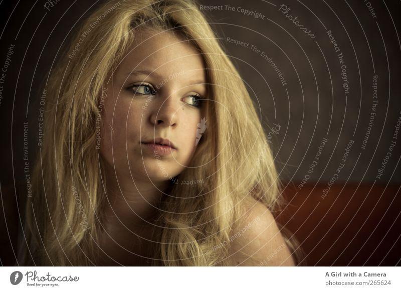 the point of no return Mensch Jugendliche schön feminin Leben Haare & Frisuren blond außergewöhnlich Haut nachdenklich Coolness 13-18 Jahre beobachten T-Shirt