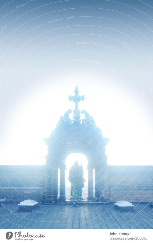 Golgota blau Berlin Architektur Religion & Glaube Gebäude Kunst Hilfsbereitschaft Hoffnung Kultur Bauwerk Bundesadler Christliches Kreuz historisch Denkmal