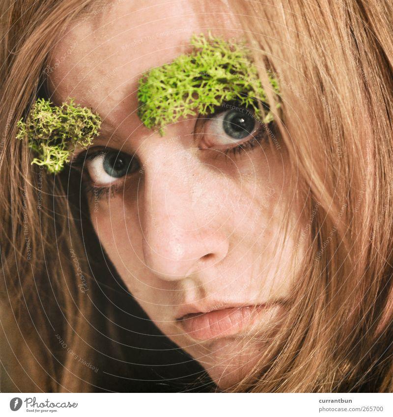 nach 5 im urwald feminin Junge Frau Jugendliche Gesicht Auge 1 Mensch 18-30 Jahre Erwachsene Moos exotisch Körperpflege Teatro Museo Dalí stuff on my face