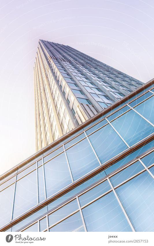Höher blau weiß braun Fassade Häusliches Leben modern Hochhaus Glas hoch violett fest Reichtum eckig Glasfassade