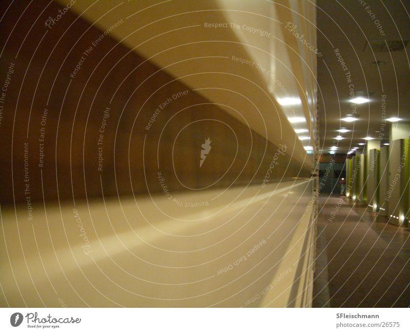Die Wand braun Architektur Hotel beige