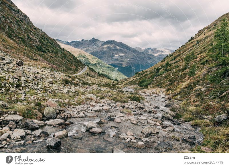 Blick Richtung Sölden AT | E5 Abenteuer wandern Natur Landschaft Himmel Wolken Herbst Wiese Alpen Berge u. Gebirge Bach gigantisch nachhaltig natürlich grün