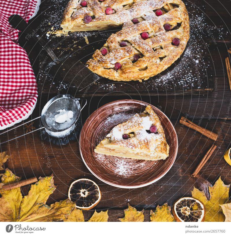 Stück traditionelle Apfelkuchen-Blätterteiggebäck Frucht Kuchen Dessert Süßwaren Ernährung Essen Mittagessen Abendessen Teller Tisch Küche Herbst Holz frisch