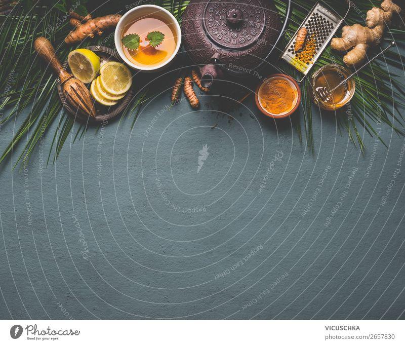 Gesunder Kurkuma Gewürz Tee mit Zitrone, Ingwer und Honig Lebensmittel Getränk Heißgetränk Stil Design Gesundheit Alternativmedizin Gesunde Ernährung gelb