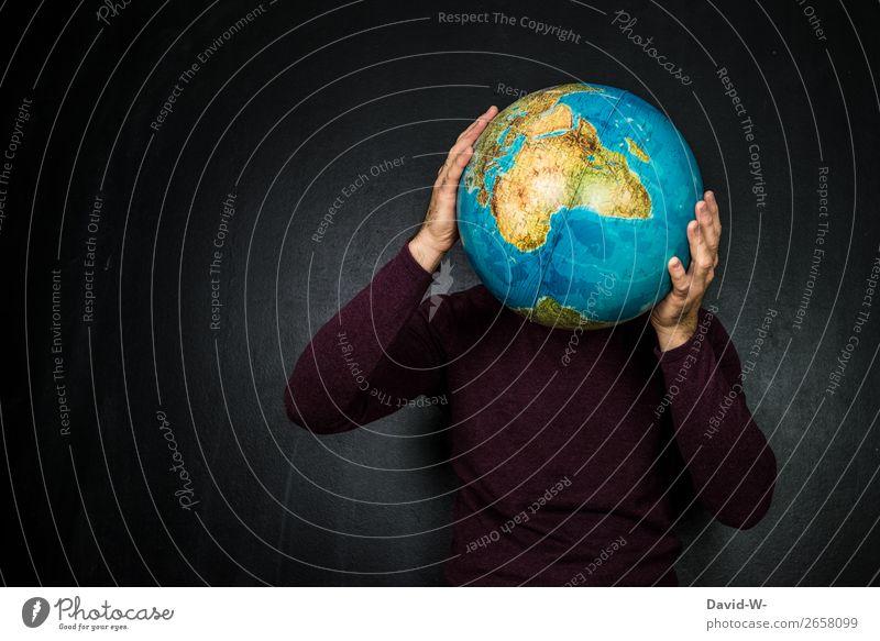 Weltkugel Mensch Jugendliche Mann Junger Mann Erwachsene Leben Umwelt Business Kunst Kopf Erde maskulin Armut beobachten Klima festhalten