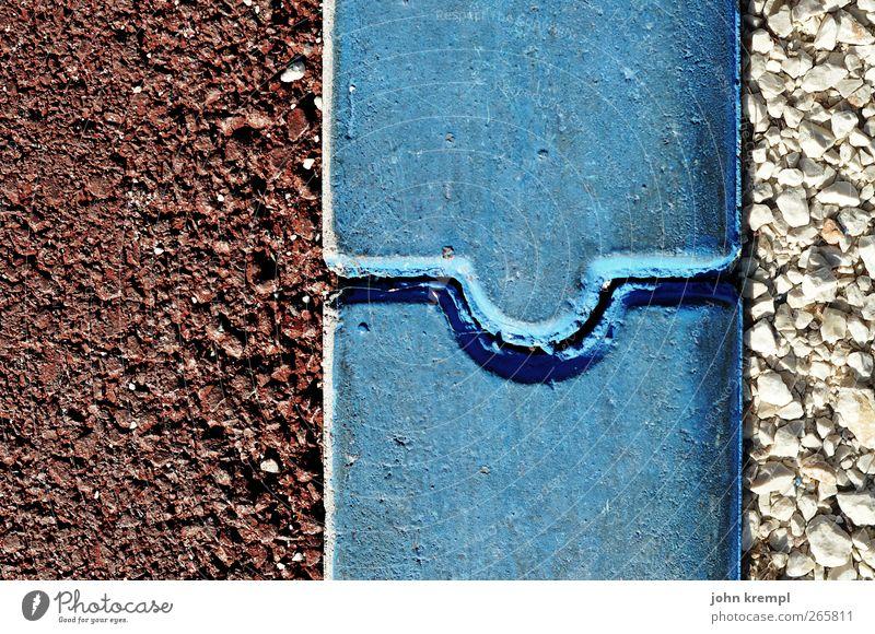 verbunden blau rot grau Stein Zufriedenheit frisch Kraft ästhetisch Beton rund Asphalt Material eckig Pflastersteine Trennung Parkplatz