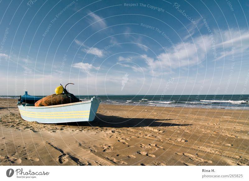 Gestrandet Himmel blau Ferien & Urlaub & Reisen Sommer Strand gelb Landschaft Herbst Küste Horizont Arbeit & Erwerbstätigkeit warten Tourismus Schönes Wetter