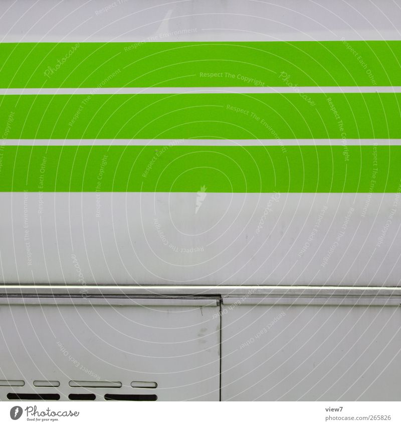 greenViehcher Mauer Wand Fassade Verkehr Bus Reisebus Bauwagen Metall Linie Streifen alt authentisch dünn einfach Gesundheit frei Freundlichkeit Fröhlichkeit
