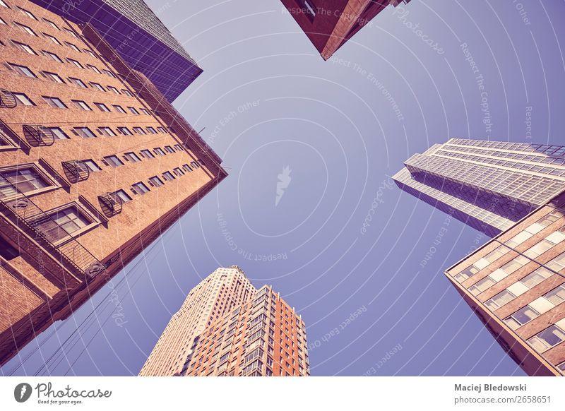 Blick auf die Wolkenkratzer von Manhattan, New York. Büro Business Stadt Stadtzentrum bevölkert Hochhaus Gebäude Architektur Mauer Wand Fassade