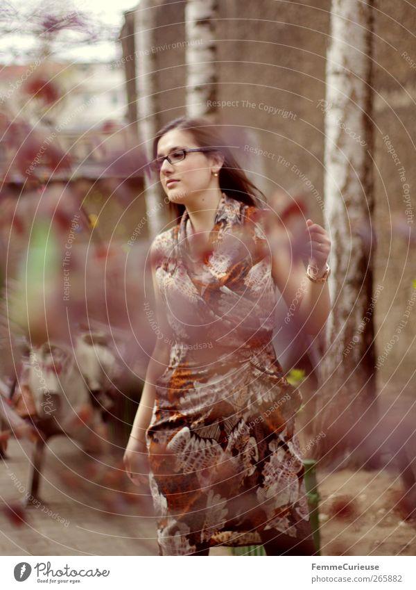 Brunette beauty III. Mensch Frau Jugendliche schön Sommer Erwachsene feminin Frühling Garten Stil Mode Kraft elegant ästhetisch Junge Frau 18-30 Jahre