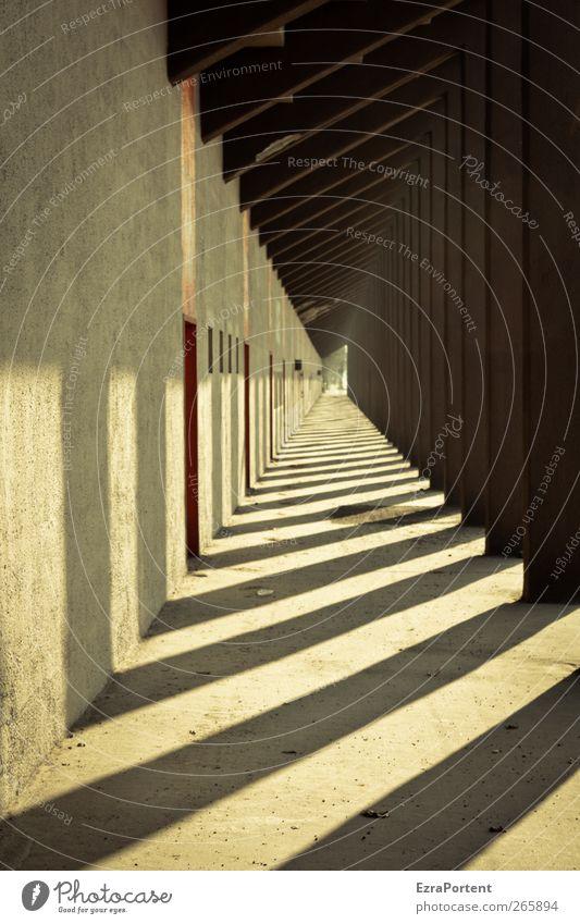 Licht und Schatten Stadt Haus Tunnel Bauwerk Gebäude Architektur Mauer Wand Fassade Wege & Pfade Stein Beton Metall gelb gold schwarz Berlin dreckig Durchgang