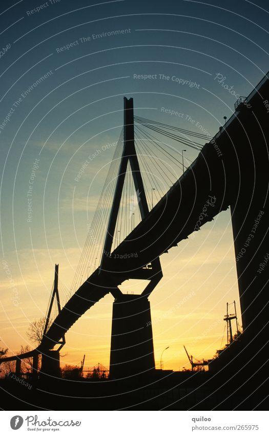 silhouette Hamburg Hafenstadt Brücke Köhlbrandbrücke Verkehr Verkehrswege Straßenverkehr Hochstraße ästhetisch fest gigantisch groß stark Sicherheit Stress