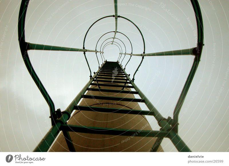 Himmelsleiter aufsteigen Architektur Leiter Metall Treppe