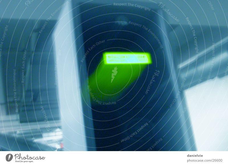Kontrolle Verkehr Eingang Parkhaus Einfahrt Automat