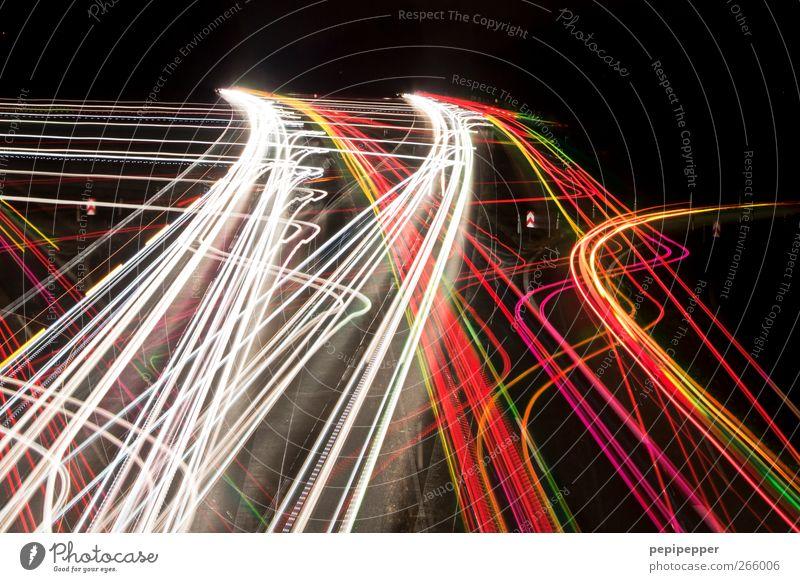wohin? Güterverkehr & Logistik Verkehr Verkehrswege Personenverkehr Berufsverkehr Straßenverkehr Autofahren Autobahn Fahrzeug rennen Bewegung mehrfarbig