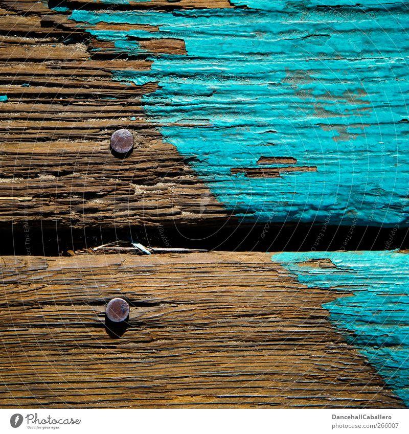 CA l altes Holz alt Farbe Holz Linie braun kaputt einzigartig Vergänglichkeit einfach streichen Grenze Teilung Verfall diagonal türkis parallel