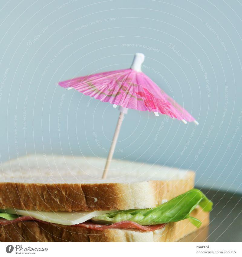 Sommer Snack Lebensmittel Wurstwaren Käse Gemüse Salat Salatbeilage Ernährung Frühstück Picknick Fastfood mehrfarbig schirmchen Toastbrot Belegtes Brot rosa