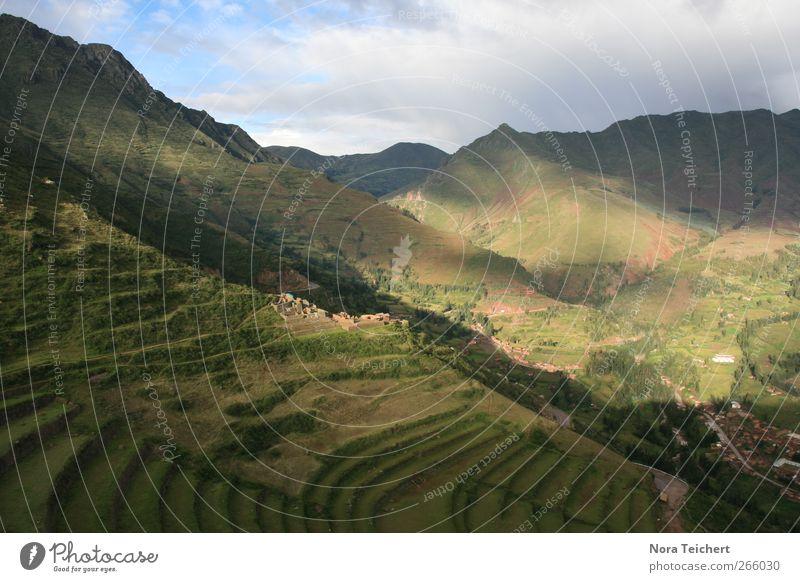 Im Reich der Inka Himmel Natur Ferien & Urlaub & Reisen Pflanze Sommer Wolken Ferne Umwelt Landschaft Wiese Berge u. Gebirge Freiheit träumen Feld Klima wandern