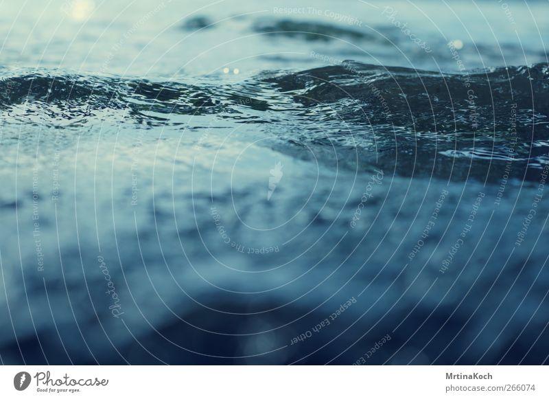 wellengang. Natur Wasser Umwelt Bewegung Wellen Wassertropfen Wasseroberfläche