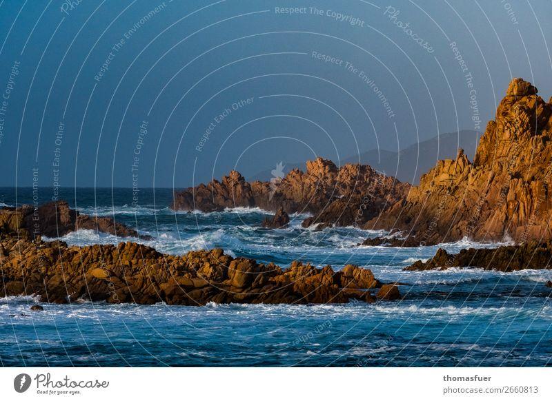 Klippen im Meer Ferien & Urlaub & Reisen Tourismus Ausflug Ferne Freiheit Sommer Sommerurlaub Sonne Strand Insel Wellen Umwelt Natur Landschaft