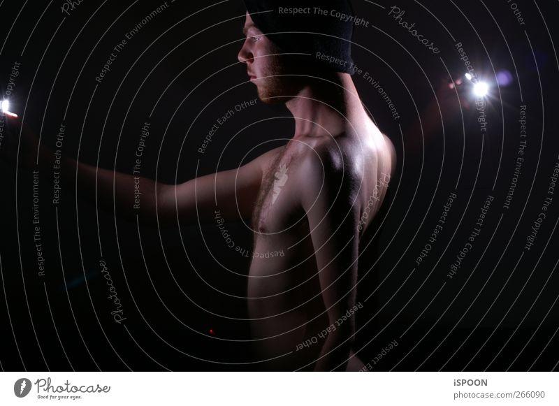 BELEUCHTET Mensch Mann Jugendliche Gesicht Erwachsene nackt Kopf Körper Arme Haut maskulin außergewöhnlich leuchten stehen 18-30 Jahre Brust