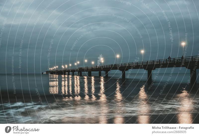 Abend an der Seebrücke Ferien & Urlaub & Reisen Tourismus Strand Wellen Landschaft Wasser Himmel Wolken Horizont Ostsee Meer Brücke Architektur Erholung