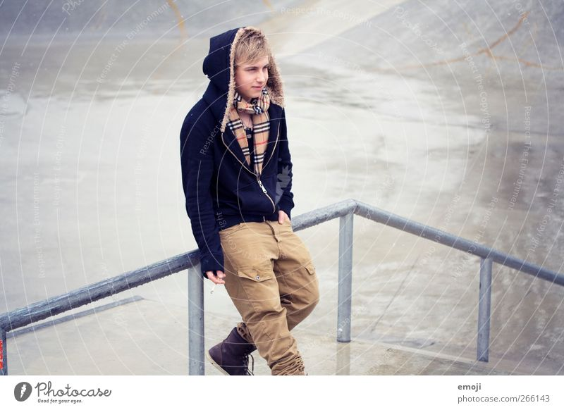 winter's comeback Mensch Jugendliche Erwachsene Mode maskulin 18-30 Jahre Coolness Junger Mann Jacke Kapuze Kapuzenpullover Kapuzenjacke