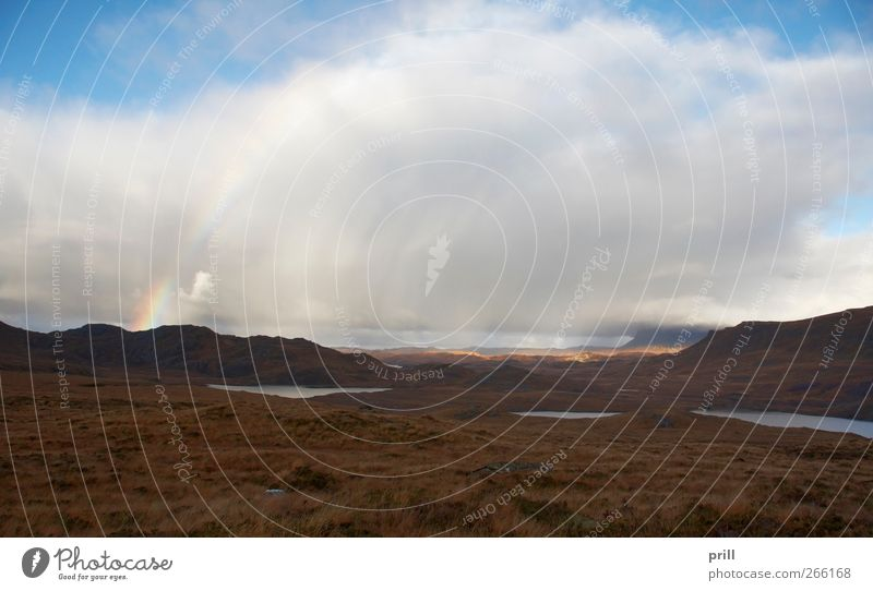 atmospheric scottish scenery with rainbow and clouds Natur Ferien & Urlaub & Reisen Pflanze Wolken Einsamkeit Umwelt Landschaft Gras See träumen Tourismus