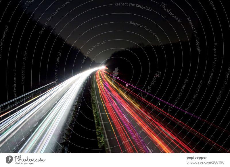leuchtpfad Farbe Straße Bewegung Verkehr Streifen fahren Güterverkehr & Logistik Autobahn Verkehrswege Fahrzeug Autofahren Personenverkehr Straßenverkehr Verkehrsmittel Berufsverkehr