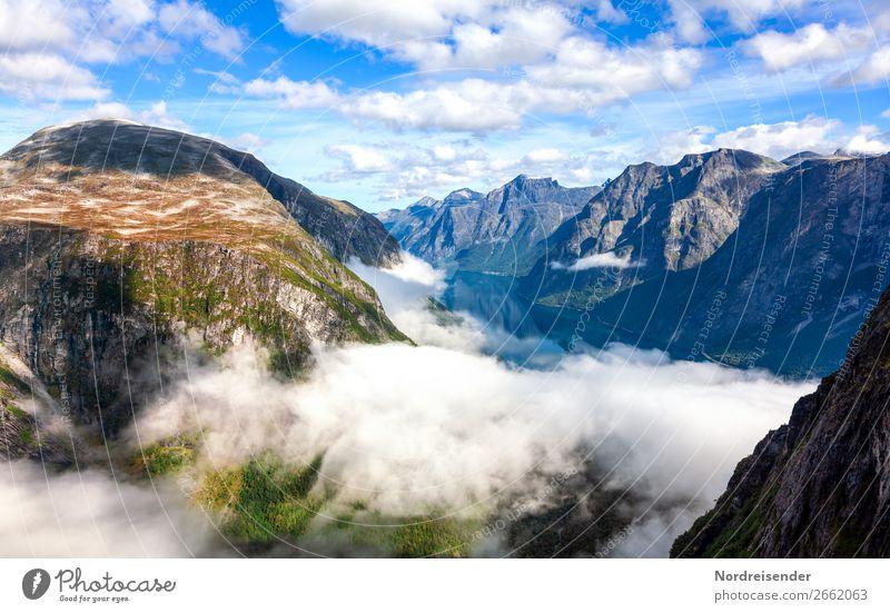 Hochland in Norwegen Himmel Ferien & Urlaub & Reisen Natur Landschaft Wolken ruhig Ferne Berge u. Gebirge Tourismus Freiheit Felsen Ausflug wandern Nebel