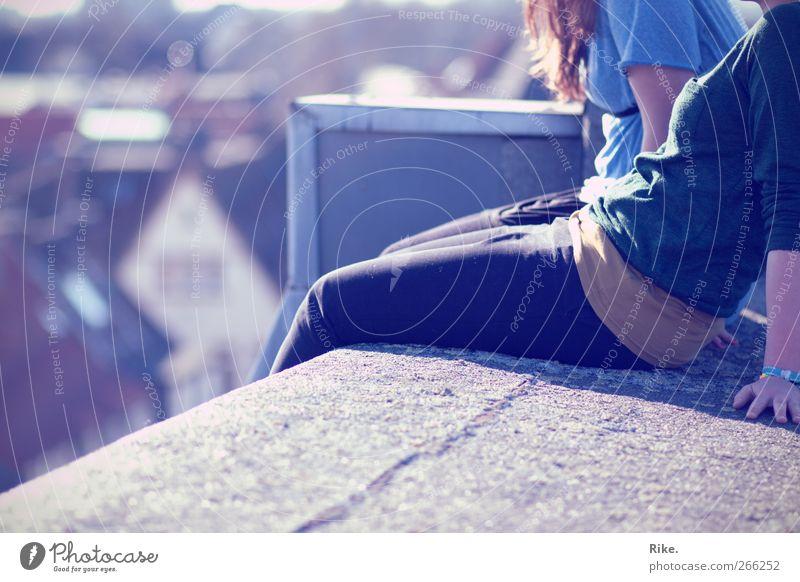 All die Augenblicke. Mensch Jugendliche schön Sommer Freude Erwachsene Erholung feminin Freiheit Mode Paar träumen Freundschaft Körper Zusammensein Freizeit & Hobby