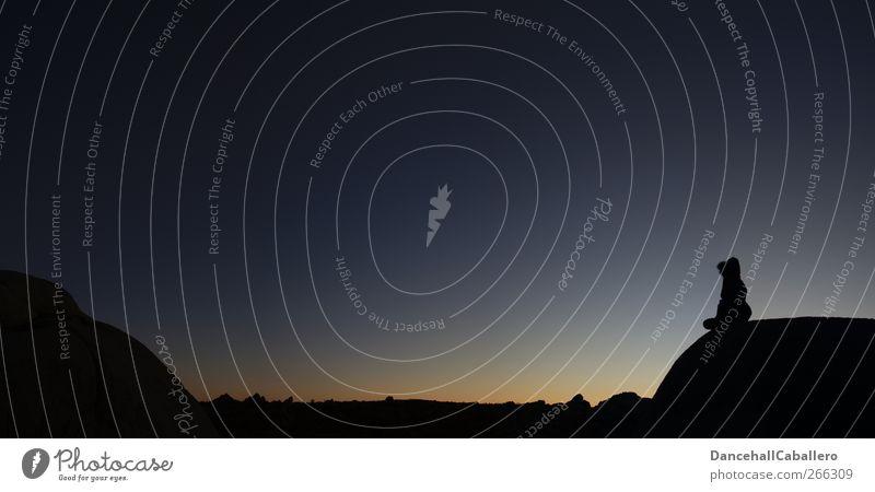 CA l waiting for the night Mensch Himmel Ferien & Urlaub & Reisen Einsamkeit ruhig Ferne Berge u. Gebirge Sport Gefühle Freiheit Glück Felsen Stimmung sitzen Energie warten