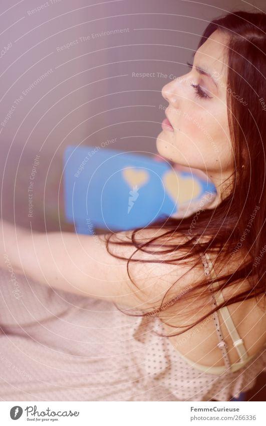 Brunette beauty VII. Mensch Frau Jugendliche schön Gesicht Erwachsene feminin Haare & Frisuren Kopf offen elegant Arme sitzen Mund Nase Junge Frau