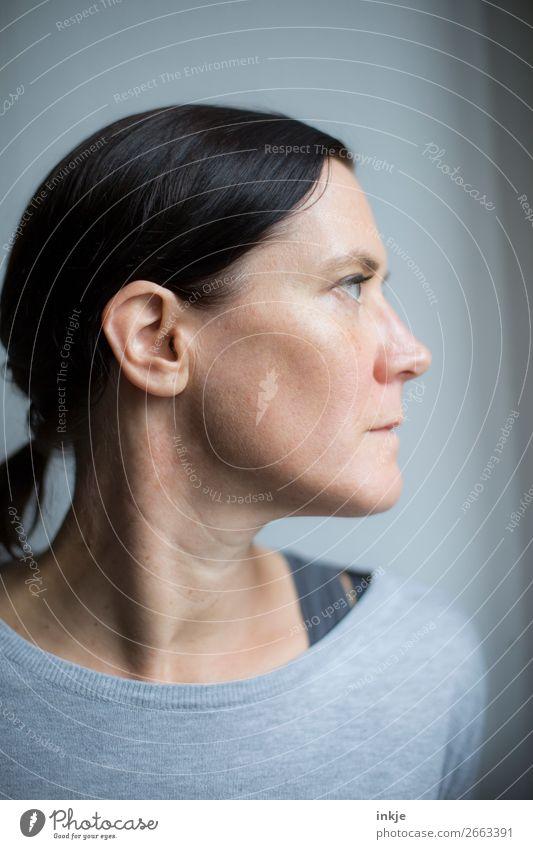 Profil Stil Frau Erwachsene Leben Kopf Gesicht 1 Mensch 30-45 Jahre 45-60 Jahre Haare & Frisuren schwarzhaarig langhaarig Zopf authentisch schön natürlich grau