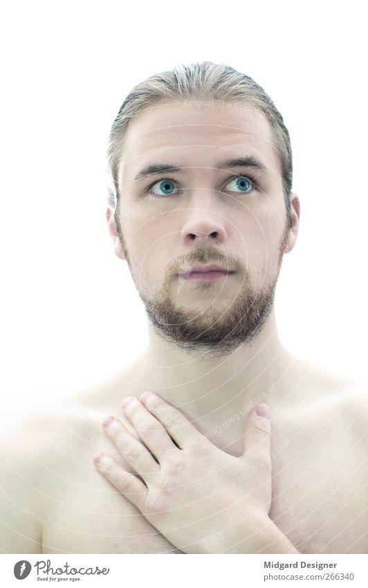 Mal Hand aufs Herz Mensch Mann Jugendliche blau weiß schön Erwachsene Gesicht Erholung Kopf hell Gesundheit Körper Zufriedenheit 18-30 Jahre