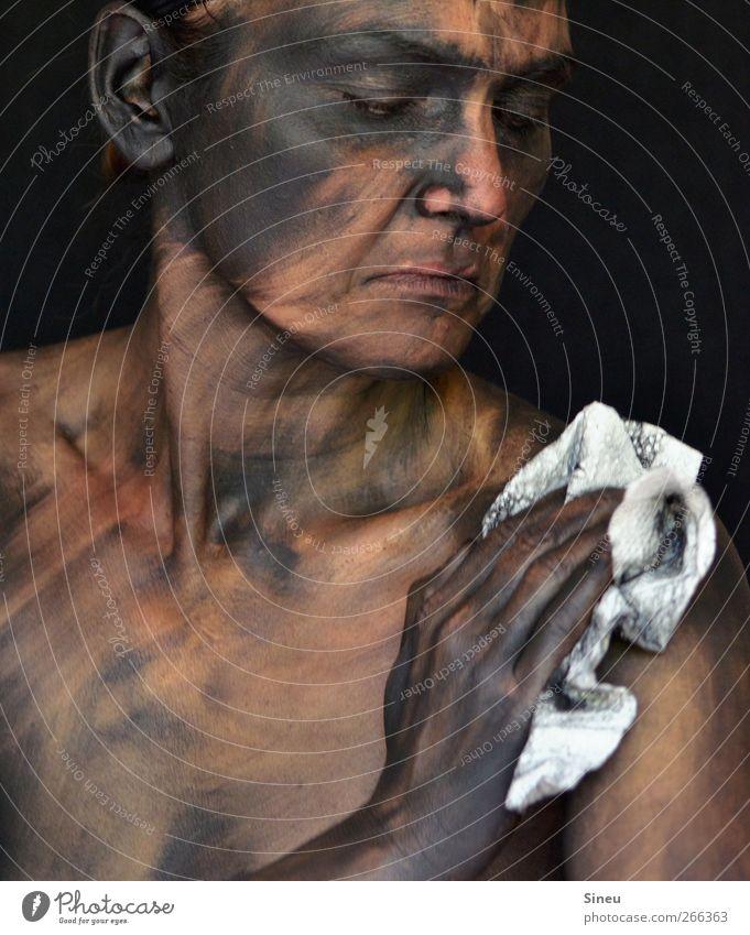 Kehrwoche Hand schwarz Gesicht dunkel dreckig Haut Reinigen Sauberkeit Schmerz Körperpflege Ekel Tuch hässlich Reinlichkeit Körpermalerei Putztuch
