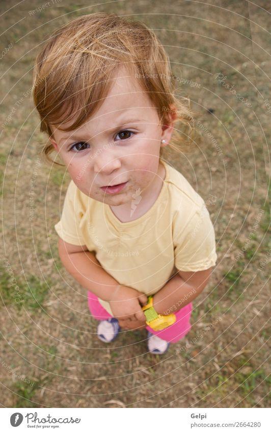 Karikatur eines kleinen Mädchens Freude Glück schön Gesicht Kind Mensch Baby Frau Erwachsene Kindheit Jugendliche Mund Natur blond Lächeln groß lustig niedlich