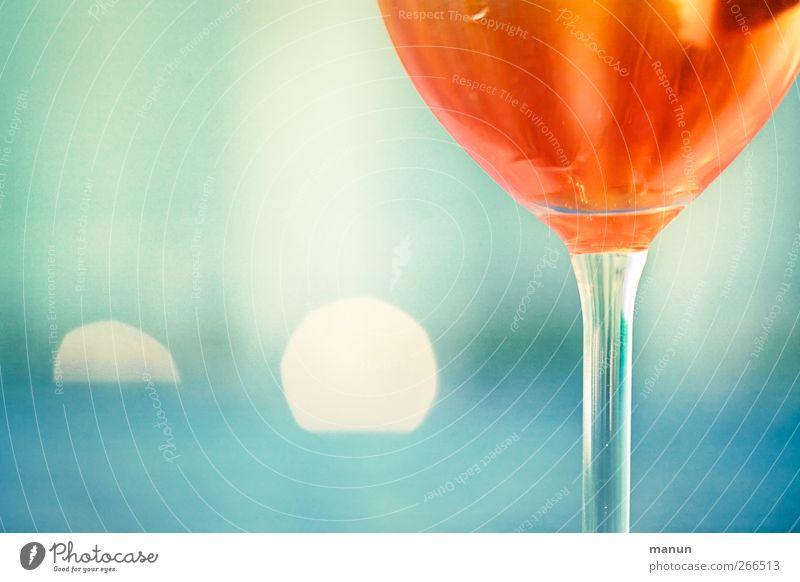 Genuss sucht... Ernährung Getränk Erfrischungsgetränk Alkohol Wein Sekt Prosecco Champagner Longdrink Cocktail Glas trendy lecker blau rot Alkoholsucht genießen