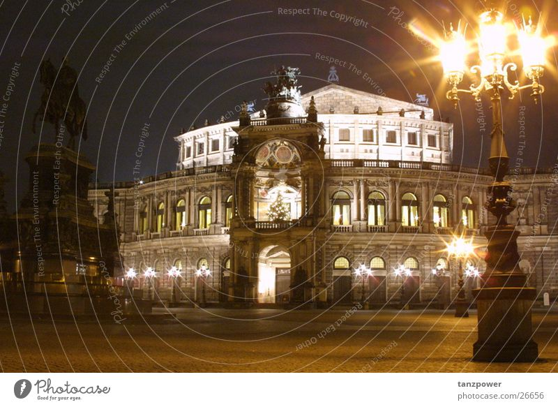 Semperoper bei Nacht Dresden Architektur Oper Beleuchtung Bildelemente gestalterische Mittel