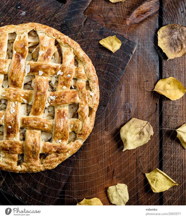 gebackene ganze runde Apfelkuchen Frucht Kuchen Dessert Süßwaren Mittagessen Tisch Küche Herbst Holz Essen frisch lecker oben braun Tradition Amerikaner